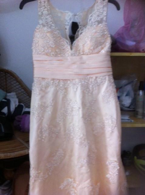 תמונות נוספות של שמלת ערב במצב מעולה עם שובל – סאטן ותחרה