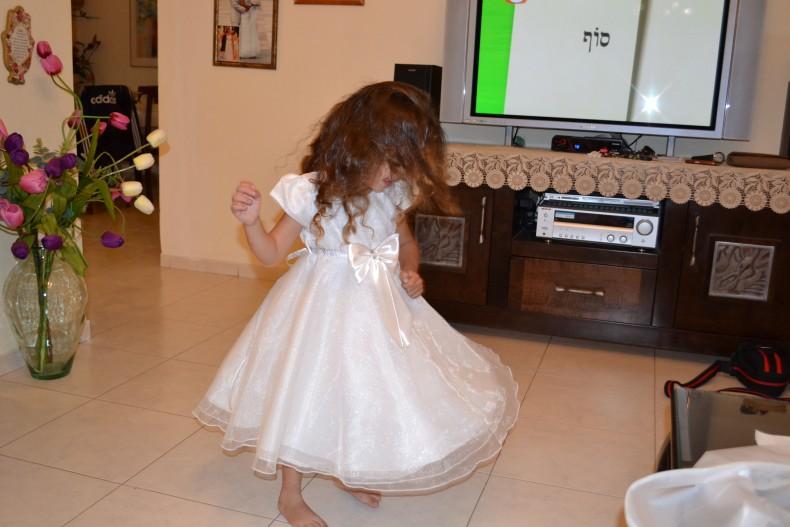 שמלה של שושבינה מהממת גיל 4-5