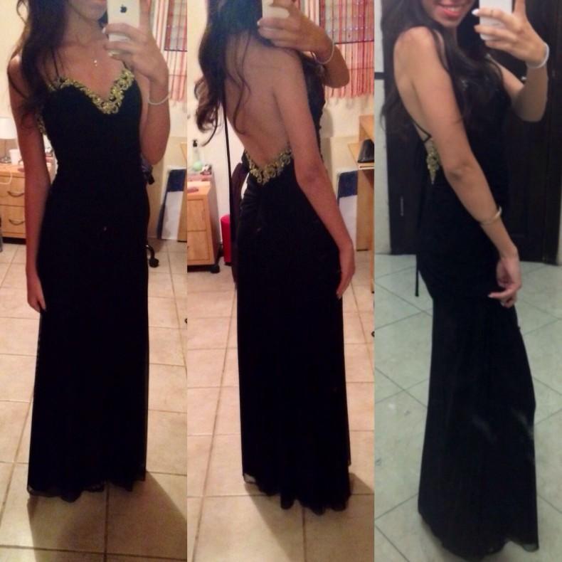 שמלת ערב מקסי שחורה עם קישוט זהוב