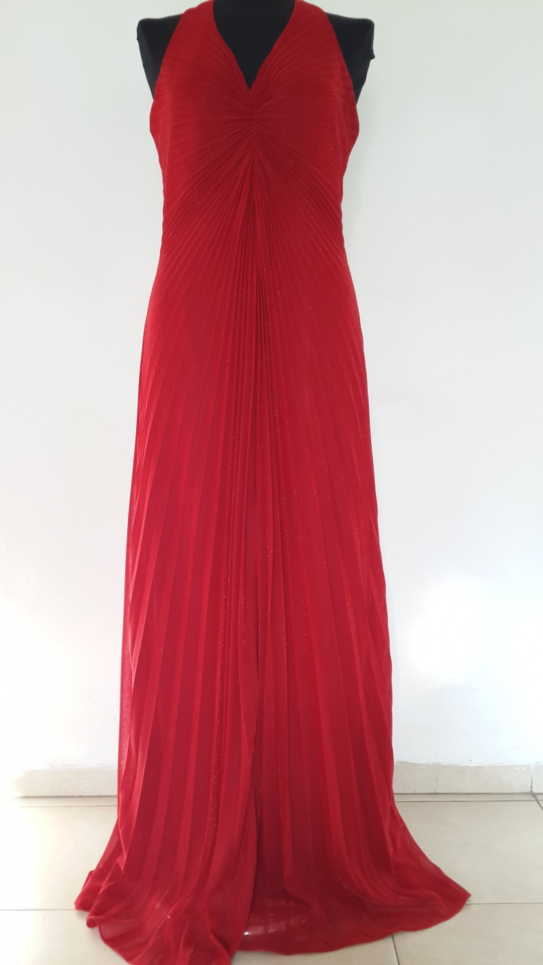 שמלת פליסה אדומה