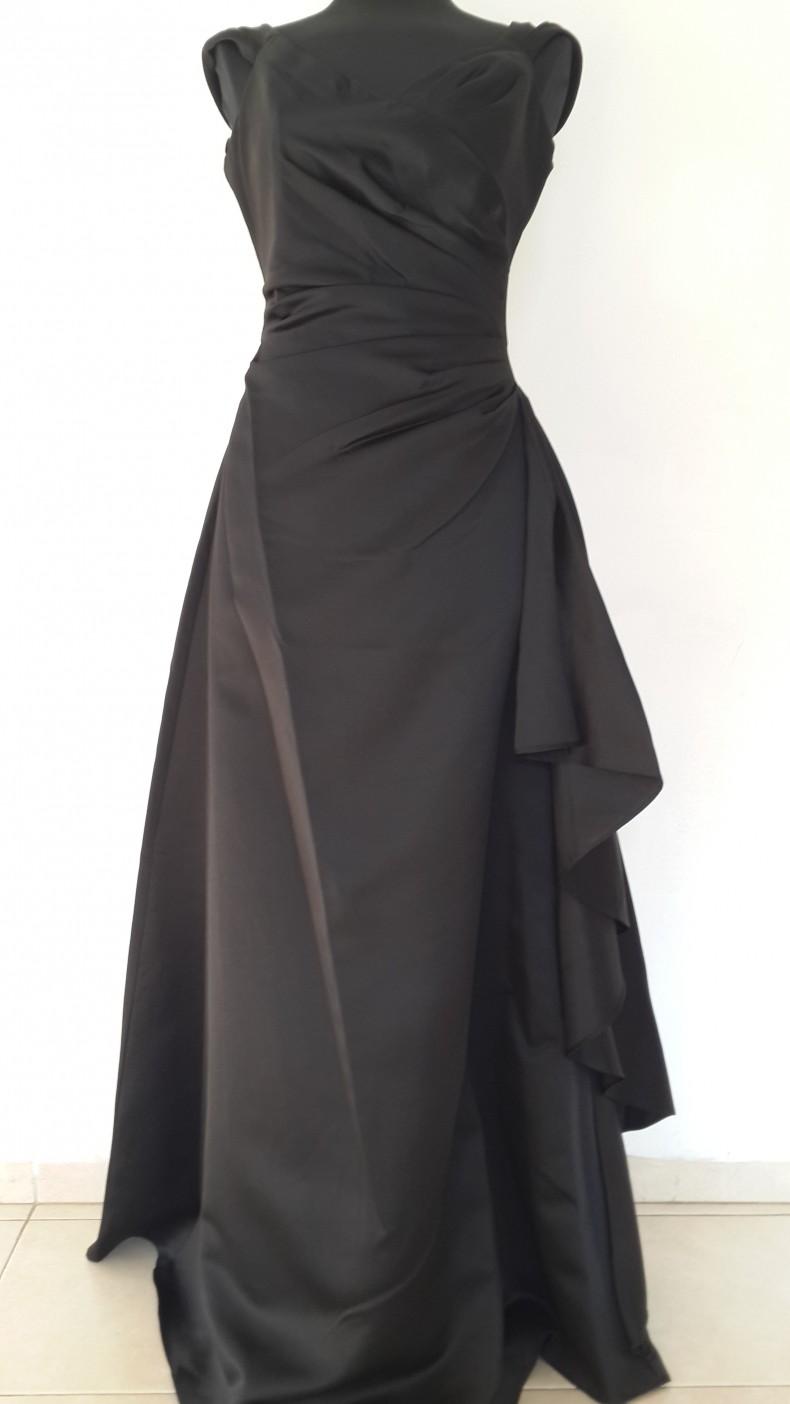 שמלת נסיכות שחורה