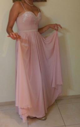 שמלה בתפירה ועיצוב