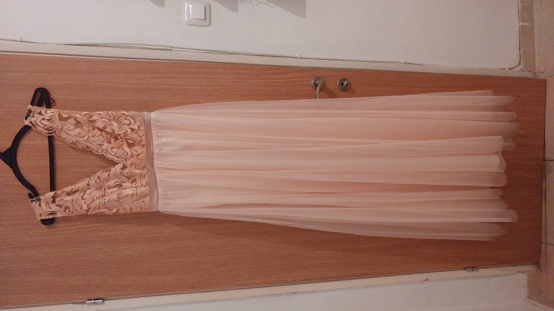 תמונות נוספות של שמלת ערב מושלמת ועדינה למכירה