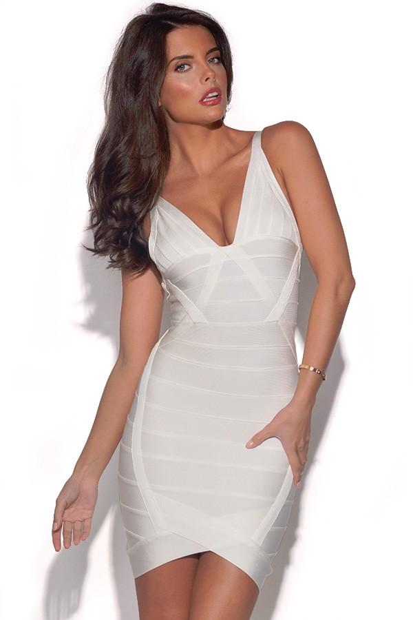 שמלת ערב לבנה מחטבת