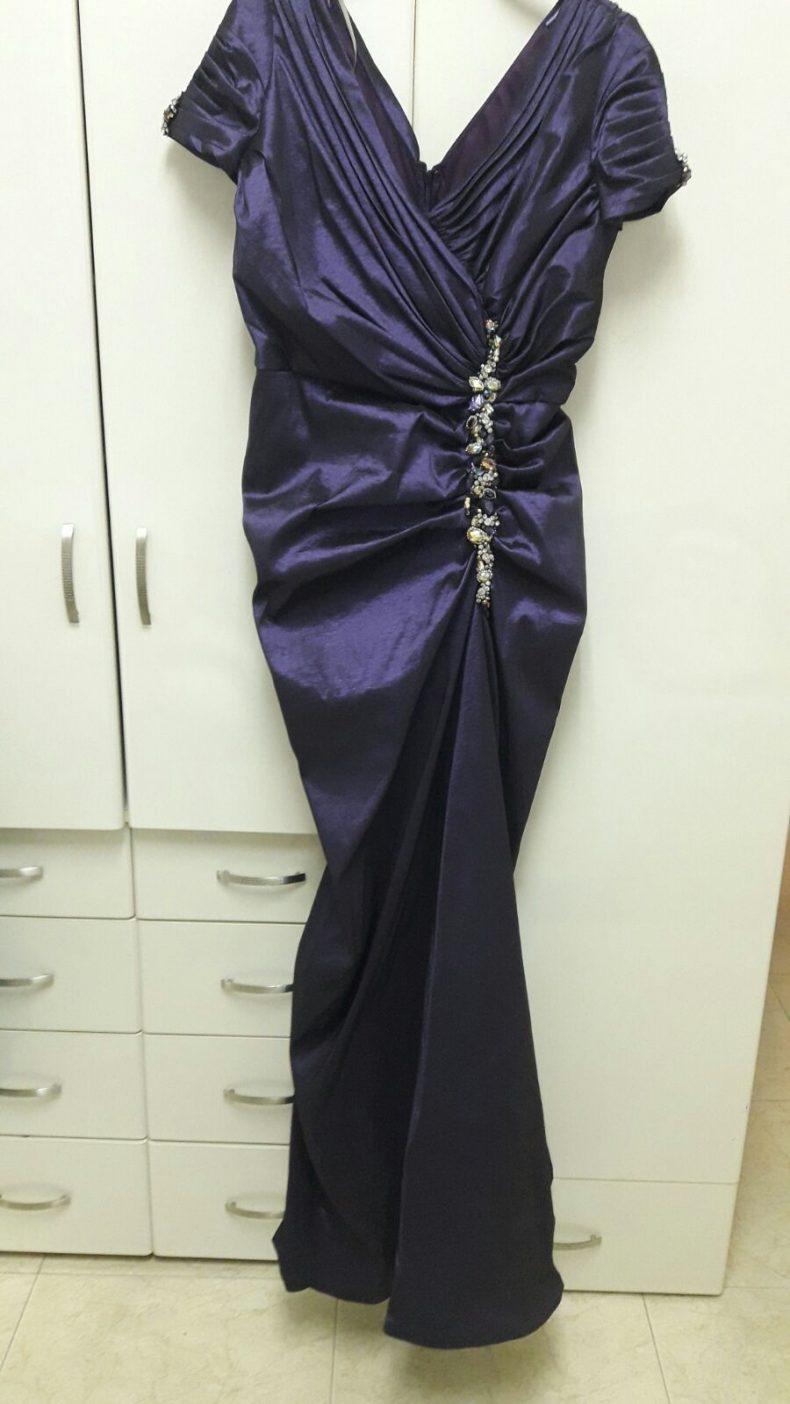 שמלת ערב נדירה