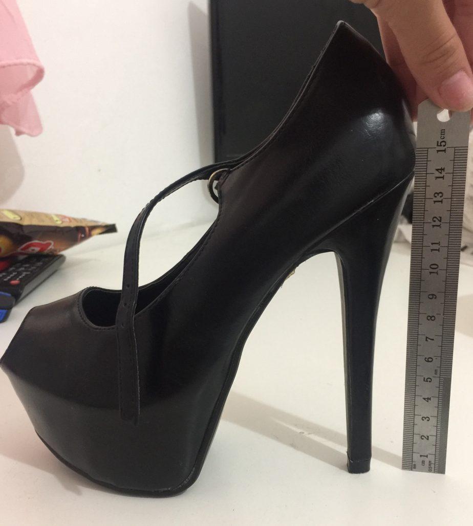 תמונות נוספות של נעלי עקב פצצה שחורות