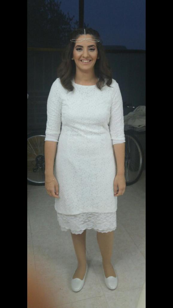 שמלת תחרה מקסימה עם תוספת אורך