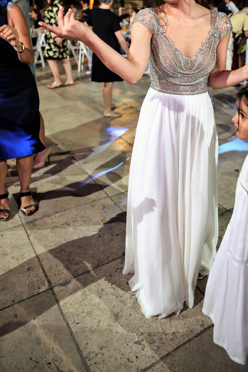 שמלת כלה קלה עדינה ומיוחדת