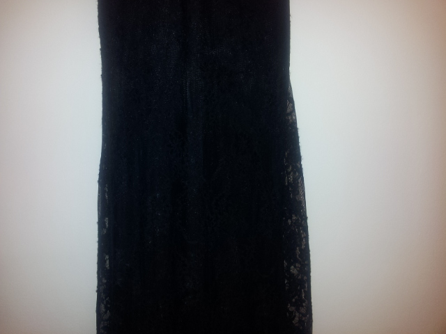 תמונות נוספות של שמלת ערב עם תחרה