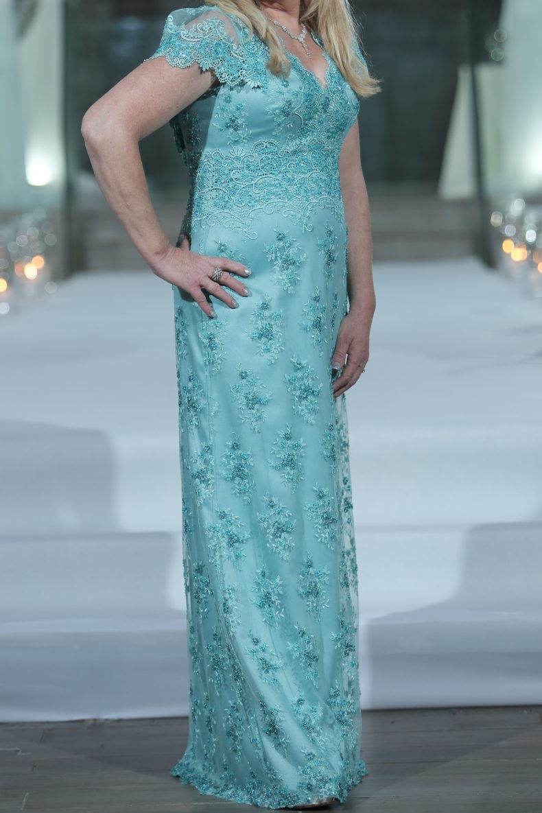 שמלה יוקרתית ויפה במיוחד!