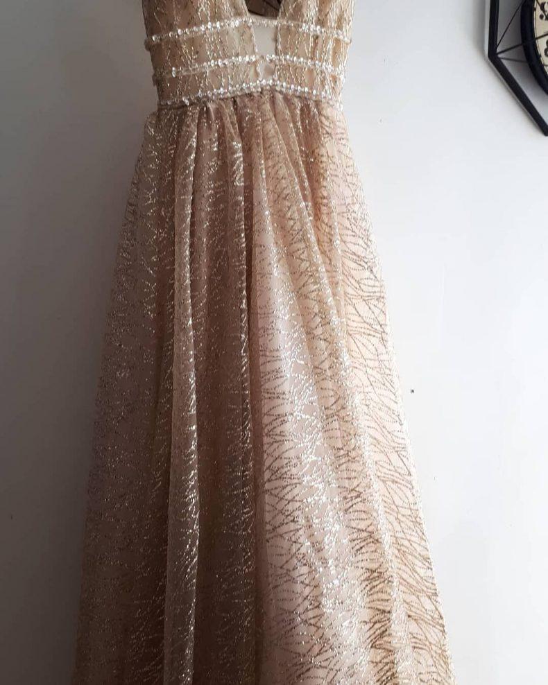 שמלת נשף חדשה