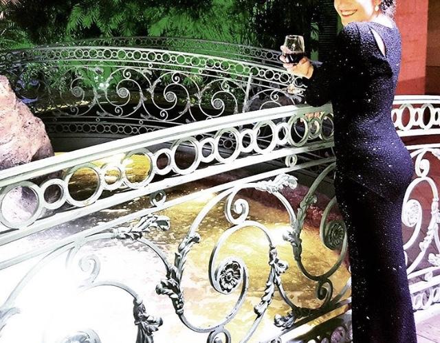 שמלת נצנצים שחורה