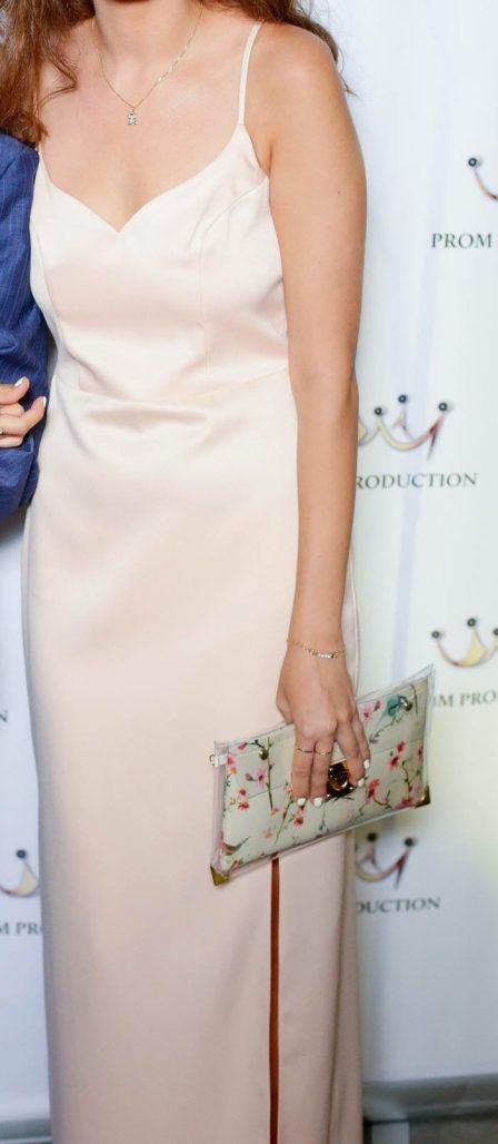 שמלת ערב בצבע ניוד ממעצבת