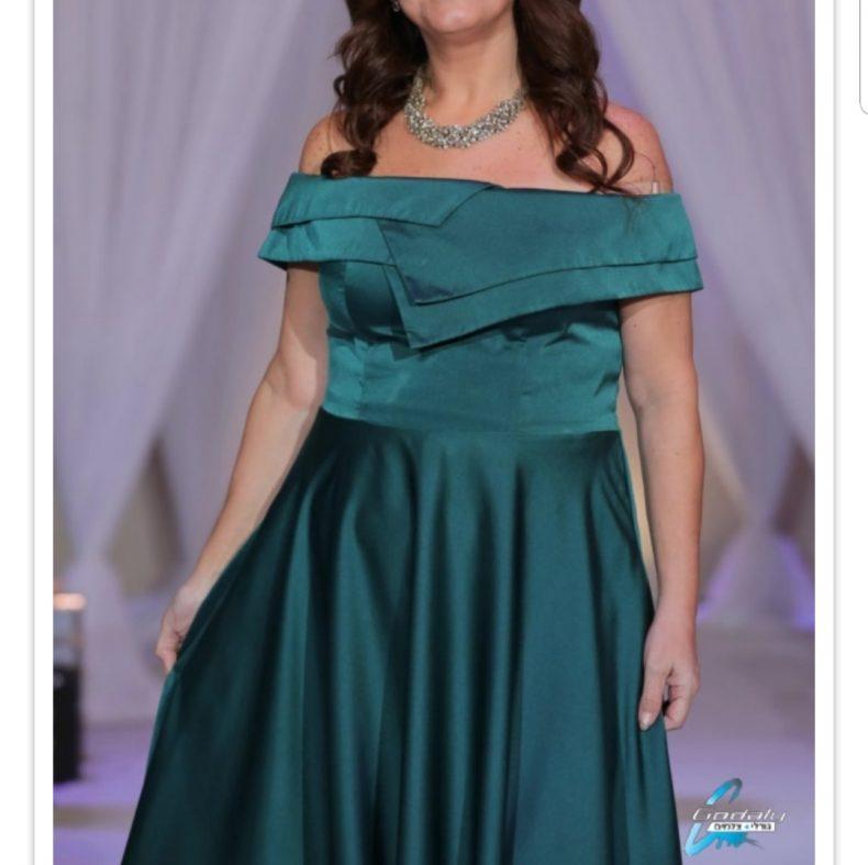 שמלת ערב מהממת ביופיה