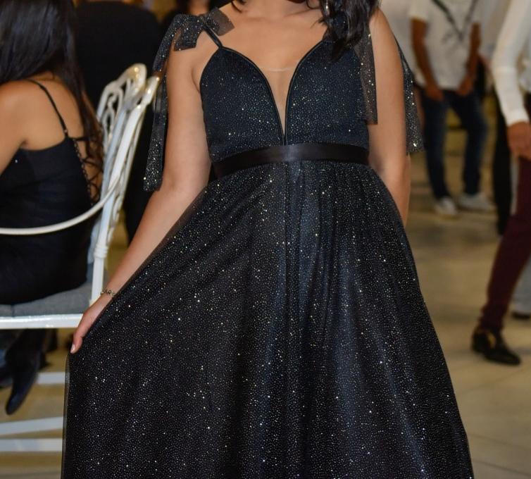 שמלת ערב מנצנצת!