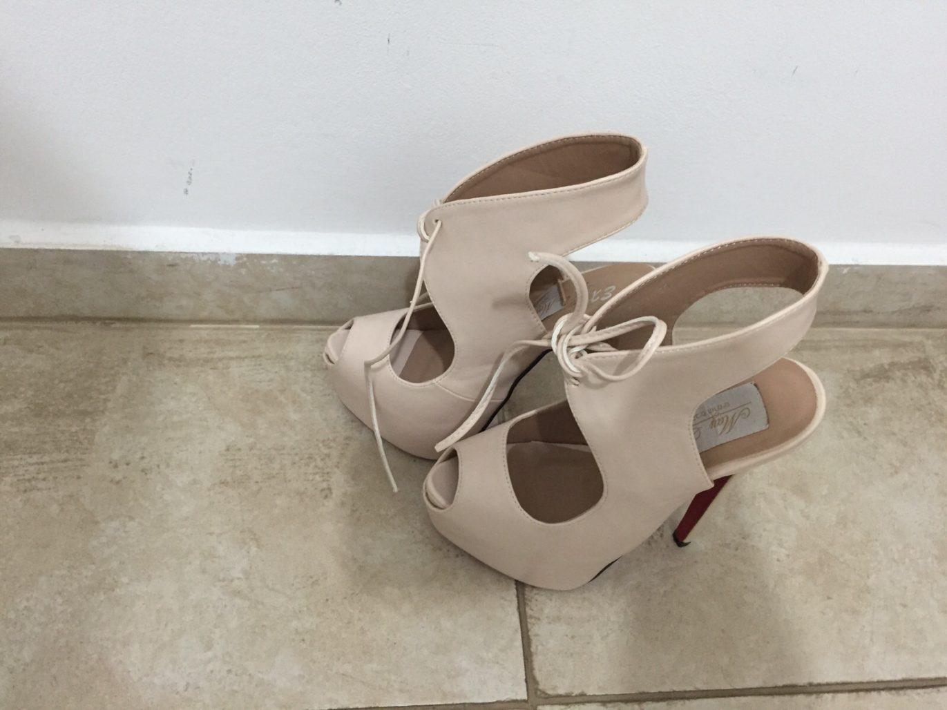 תמונות נוספות של נעלי עקב