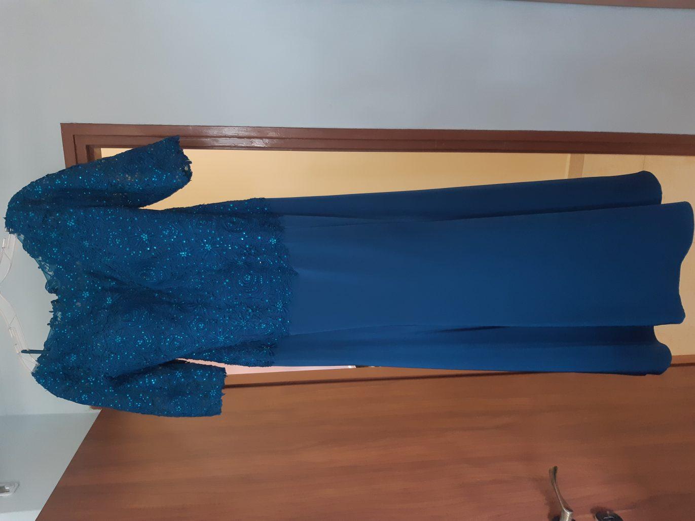 תמונות נוספות של שמלת ערב כחולה