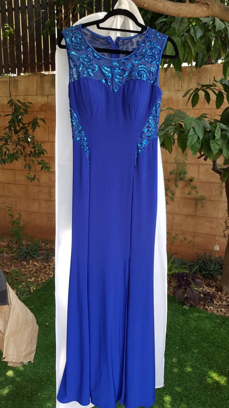 2 שמלות ערב בבצע כחול רויאל