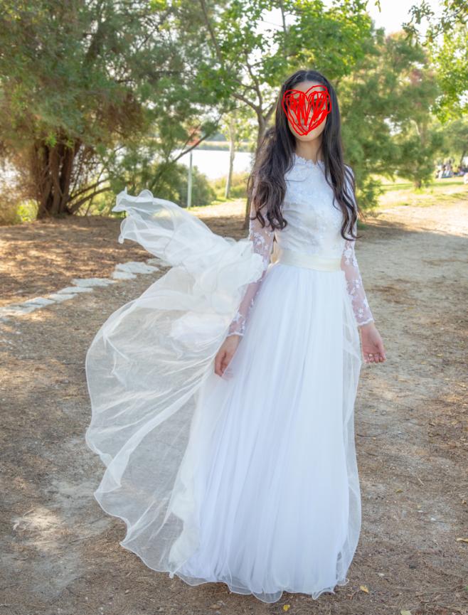 תמונות נוספות של שמלה שיכולה לשמש לחתונה/בת מצווה/שושבינה/כל אירוע אחר