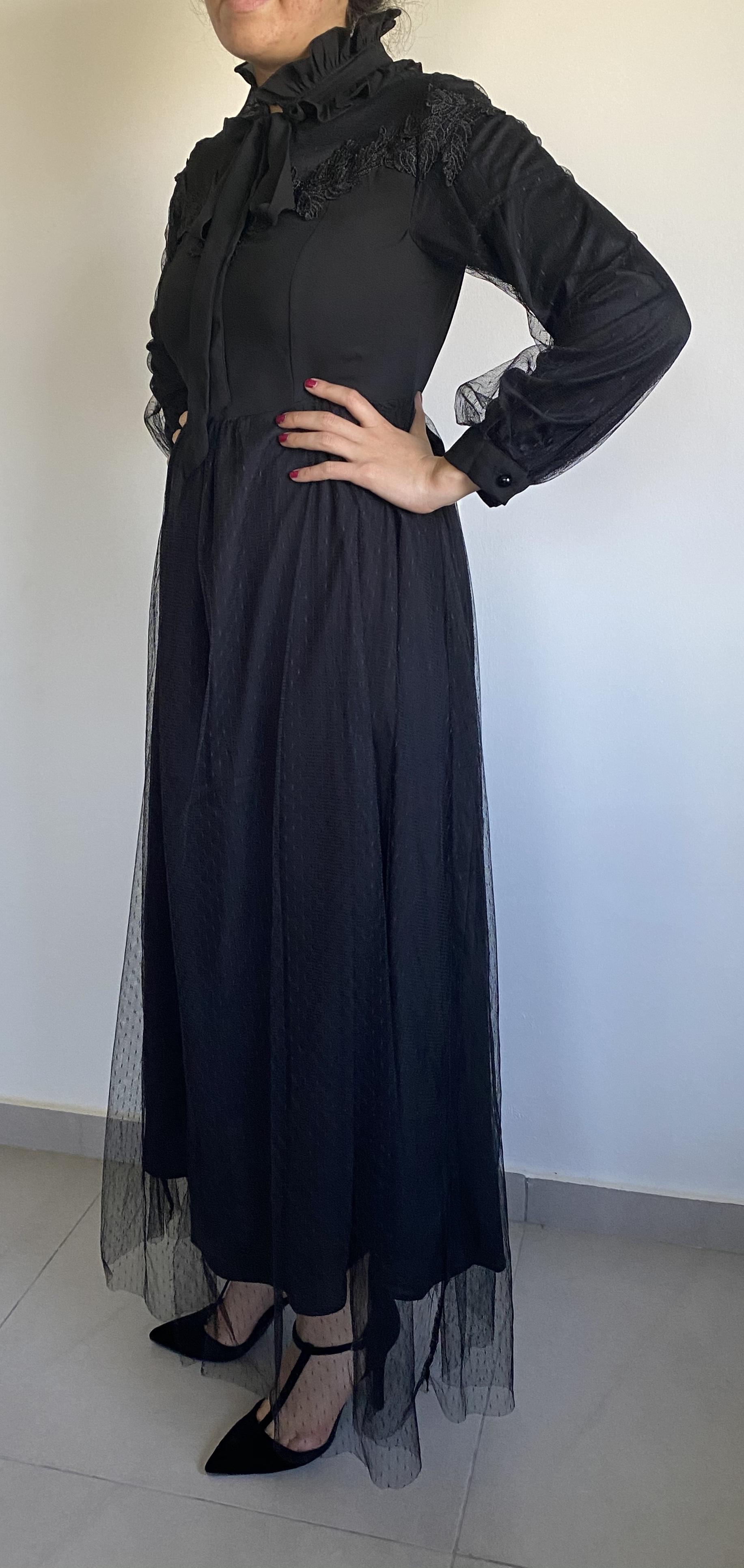 תמונות נוספות של שמלת ערב צנועה בצבע שחור דו שכבתי